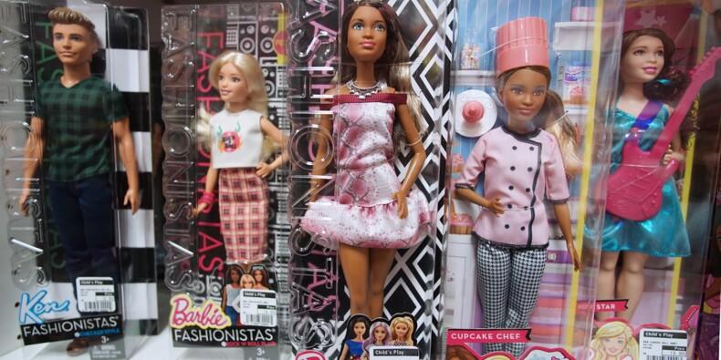 En difficulté, le fabricant de Barbie supprime emplois et dividende