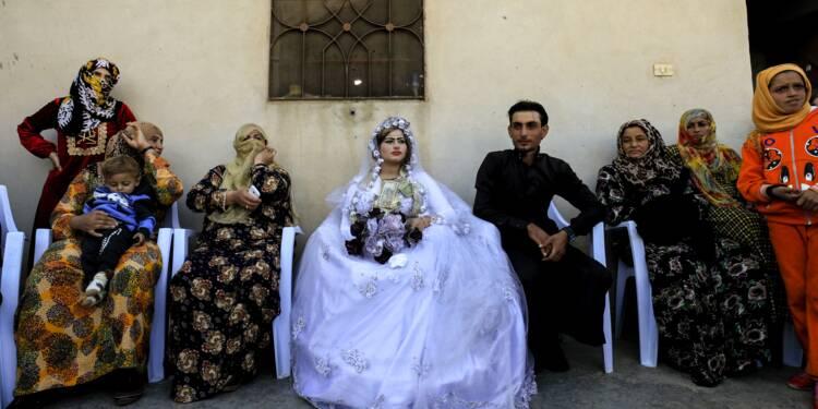 Rouge à lèvres, danse et mixité: premier mariage à Raqa post-EI