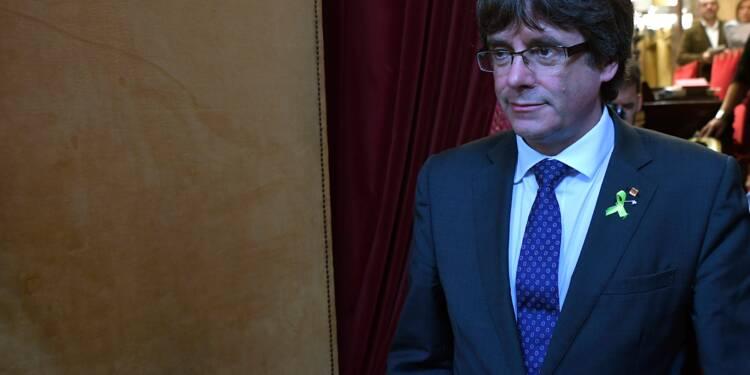 Catalogne: le parti de Puigdemont participera aux élections régionales convoquées par Madrid