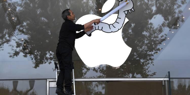 """Iphone X: Attac manifeste à Aix contre """"l'évasion fiscale"""" d'Apple"""