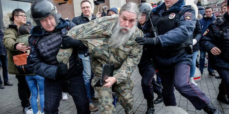 Russie: plusieurs centaines de manifestants anti-Poutine arrêtés