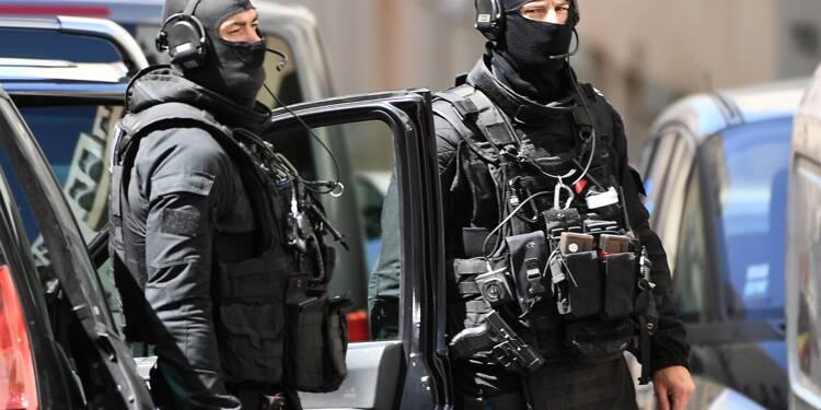 Opération antiterroriste: dix personnes interpellées en France et en Suisse
