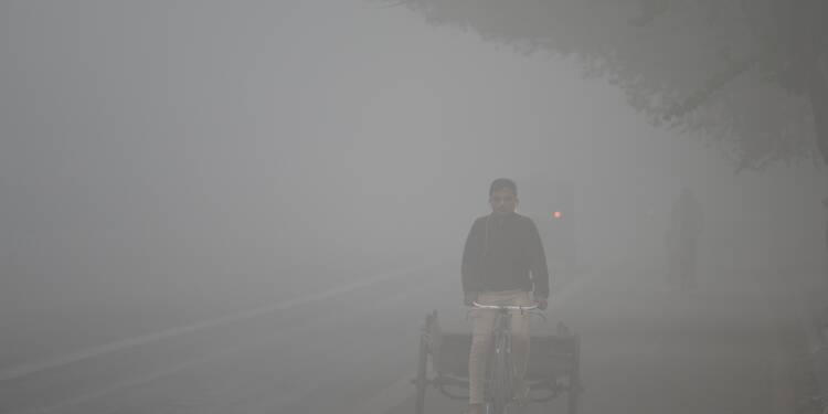 Indiens et Pakistanais suffoquent dans un brouillard de pollution