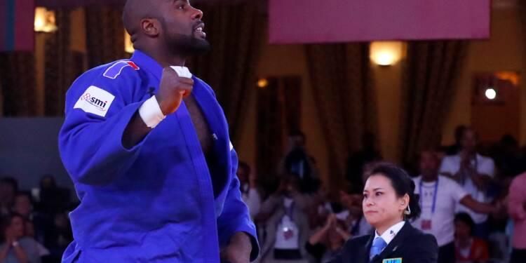 """Judo: Riner plus qu'à un combat de la """"decima"""", aux Mondiaux toutes catégories"""