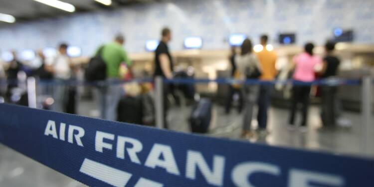 """Air France: menace de grève des pilotes après le """"débarquement"""" d'un des leurs"""