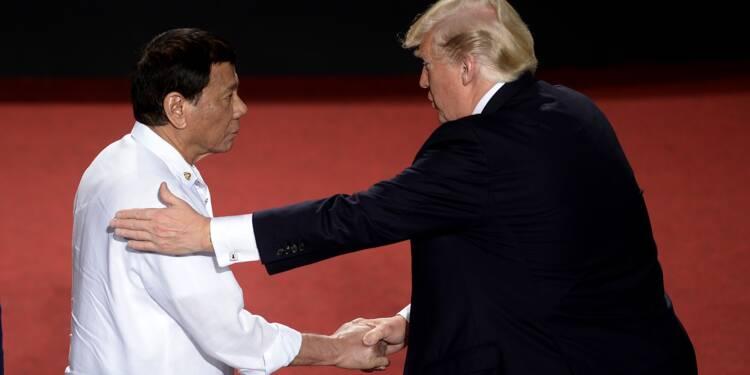 "A Manille, Trump affiche sa complicité avec ""Rodrigo"""