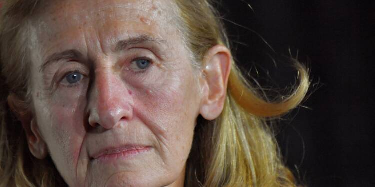 """Age légal de consentement: 13 ans est """"envisageable"""", estime Belloubet"""