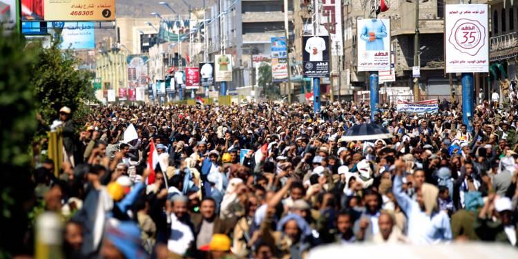 """Des milliers de Yéménites manifestent contre un blocus """"oppressant"""""""