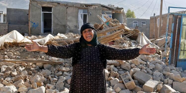 Colère et peur dans un village iranien secoué par le séisme