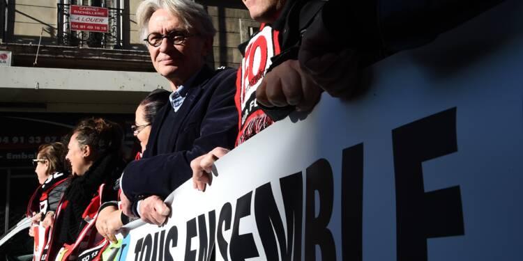"""A Marseille, Mailly (FO) défile pour """"tirer la sonnette d'alarme"""""""