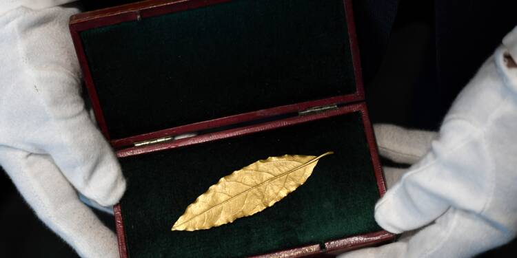 Une feuille en or de la couronne de Napoléon vendue 625.000 euros