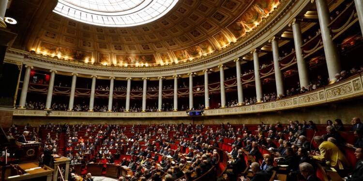 Fonction publique: l'Assemblée rétablit le jour de carence en cas d'arrêt maladie