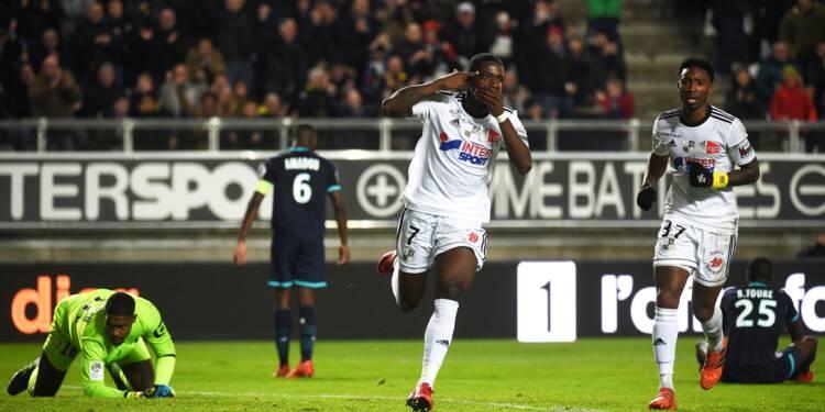 Ligue 1: double peine pour Lille, qui sombre à Amiens