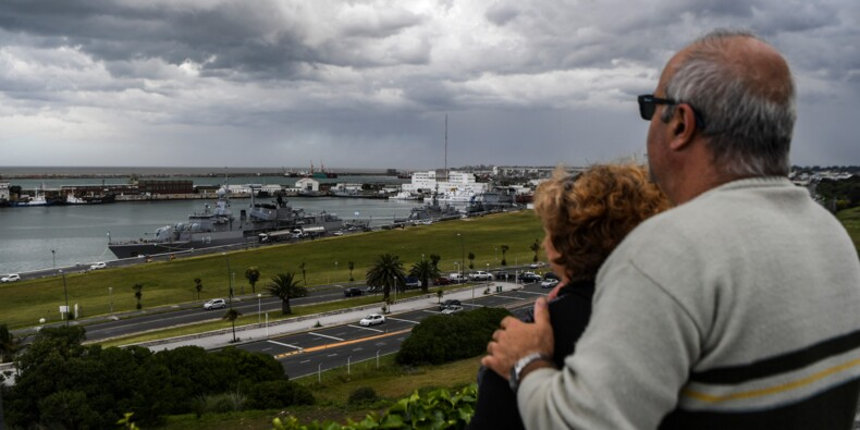 Sous-marin argentin: les proches des 44 marins espèrent un miracle
