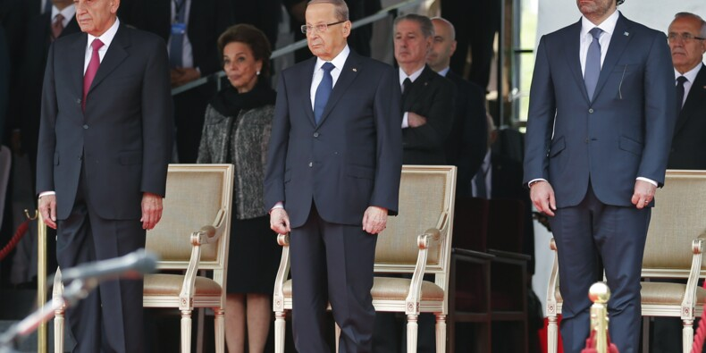 Hariri met sa démission en suspens dans l'attente de consultations