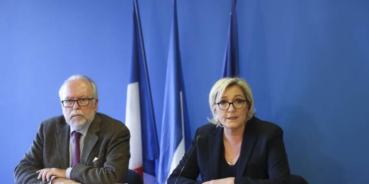 """Marine Le Pen et le FN dénoncent une """"fatwa bancaire"""" après la clôture de leurs comptes"""