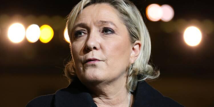 """Marine Le Pen affirme être """"chassée"""" de sa banque, HSBC"""