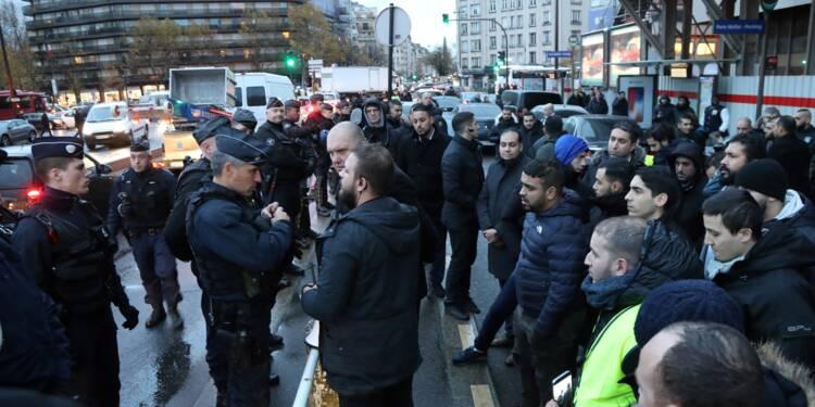 VTC: une centaine de chauffeurs manifestent à Paris pour réclamer l'application de la loi