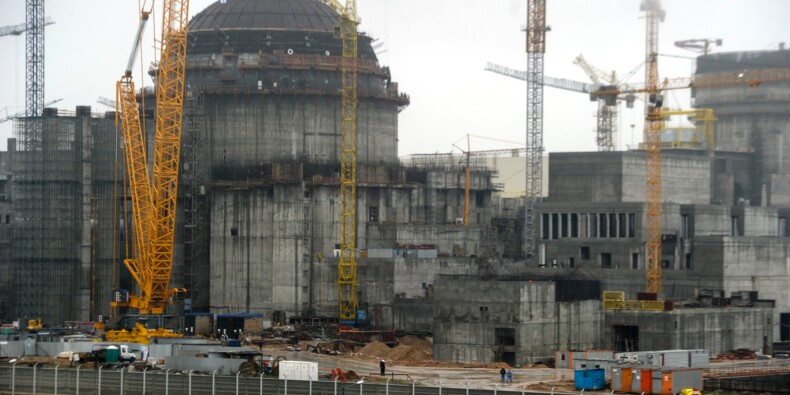 Le Bélarus construit sa première centrale nucléaire aux portes de l'UE