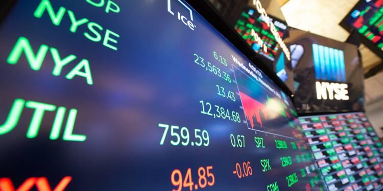 Wall Street termine en baisse, craignant les suites de l'affaire russe