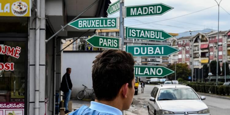 Albanie: par milliers, ils voient leur avenir à l'Ouest