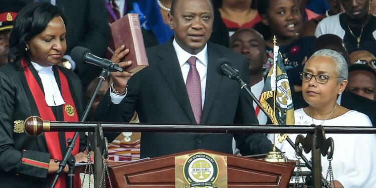 Kenya: Uhuru Kenyatta investi président d'un pays divisé