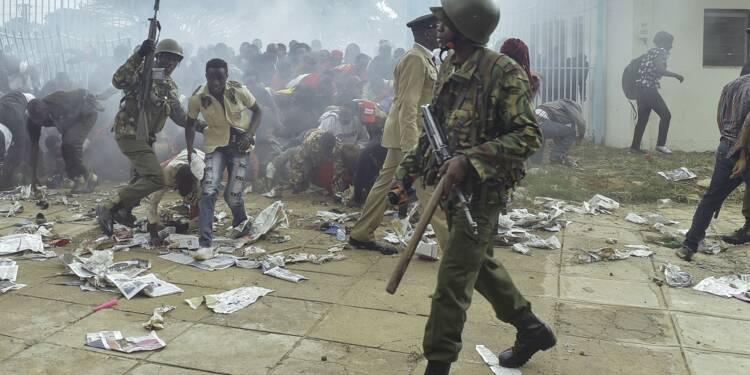 Kenya: échauffourées et gaz lacrymogène à Nairobi avant l'investiture de Kenyatta
