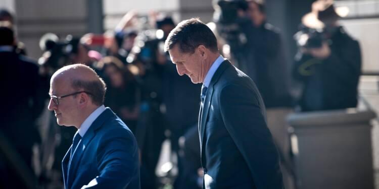 L'enquête russe se rapproche de Trump, son ex-conseiller Flynn inculpé