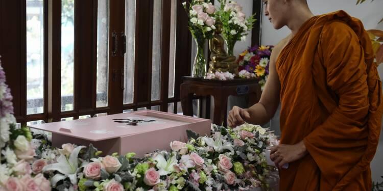 En Thaïlande, des funérailles bouddhistes pour les animaux