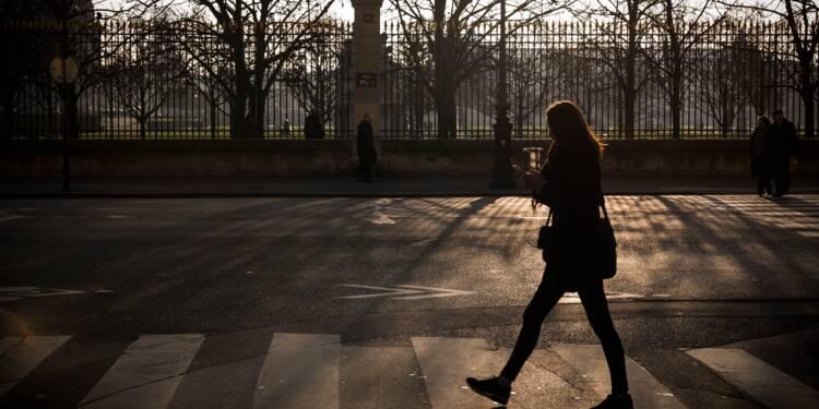 Violences dans les espaces publics: les jeunes femmes des grandes villes les plus touchées