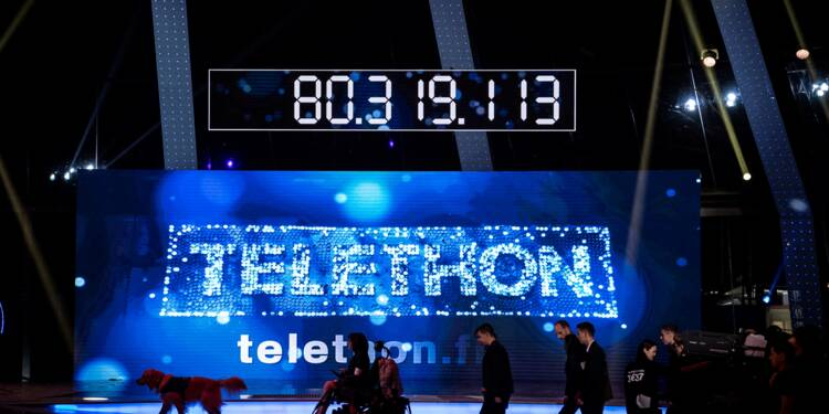 31e Téléthon: les promesses de dons en baisse, perturbées par l'hommage à Johnny Hallyday
