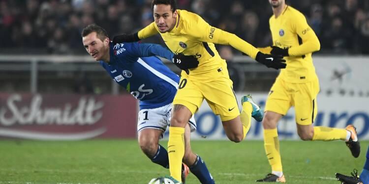 Ligue 1: Strasbourg pour confirmer, le PSG pour se consoler