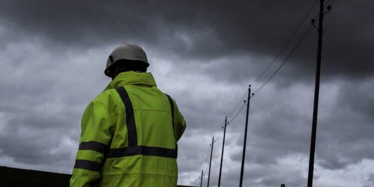 Vents violents: 120.000 foyers privés d'électricité en France