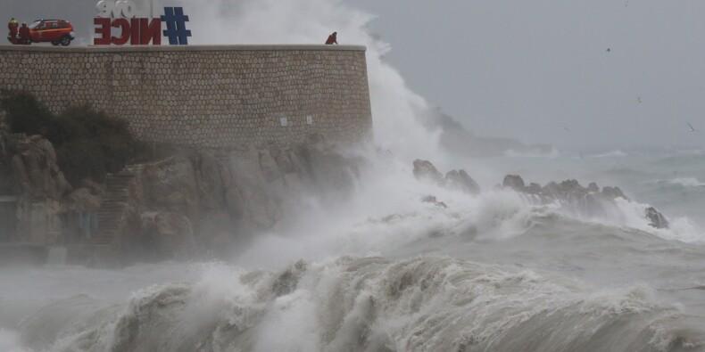 Tempête Ana: encore 50.000 foyers privés d'électricité