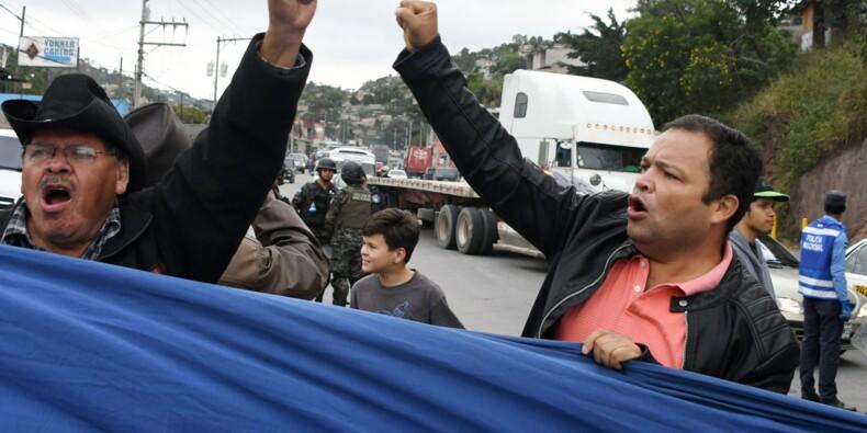 """Honduras: l'armée déloge les manifestants contre la """"fraude"""""""