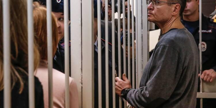 Russie: l'ex-ministre de l'Economie condamné à 8 ans de camp pour corruption