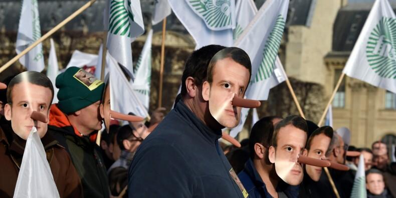 Des agriculteurs manifestent à Paris contre les distorsions de concurrence