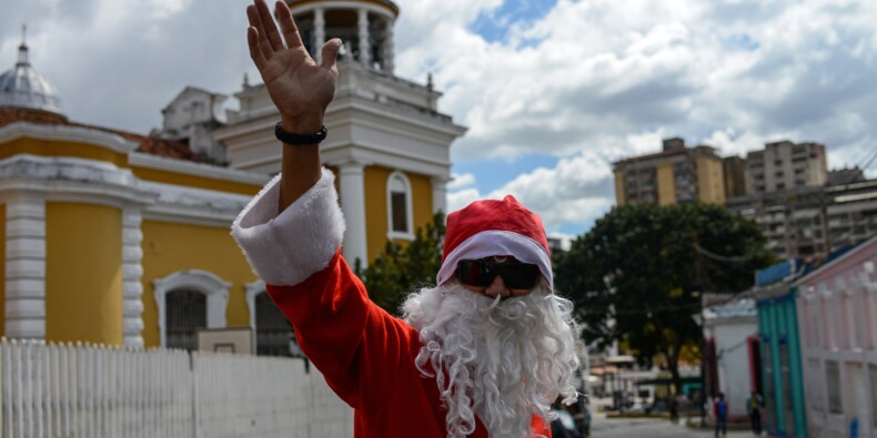 """""""De la nourriture!"""", crient les Vénézuéliens au Père Noël"""
