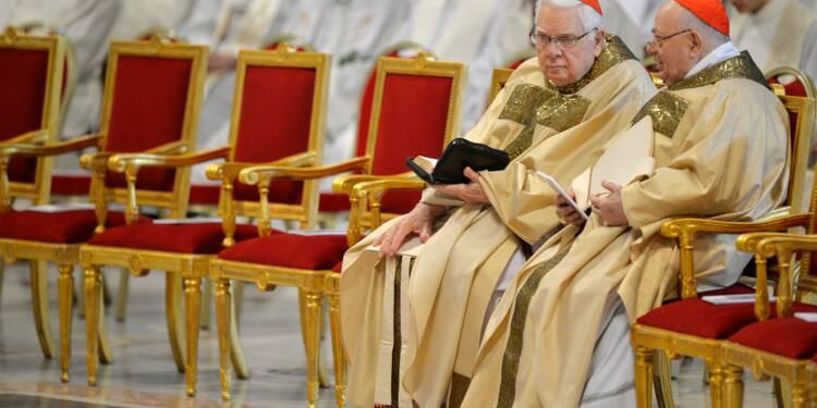 Mort du cardinal américain Bernard Law éclaboussé par un scandale pédophile