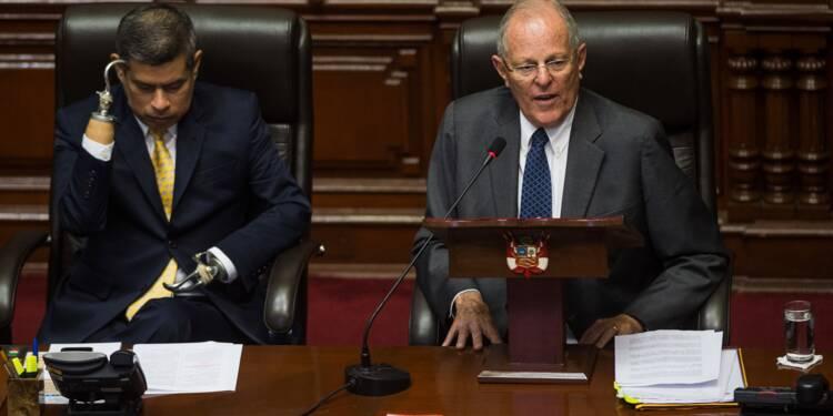 Scandale Odebrecht: le président péruvien déjoue les pronostics et reste au pouvoir