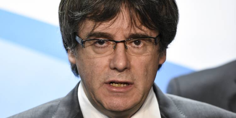 Catalogne: Puigdemont hésite à rentrer de Bruxelles