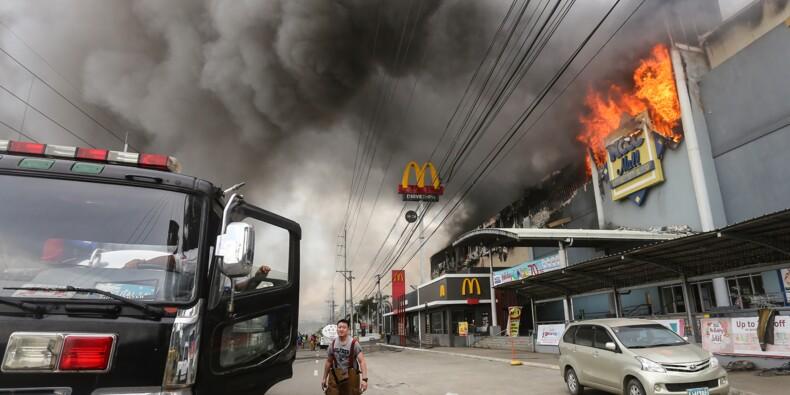 Incendie d'un centre commercial aux Philippines: 37 corps retrouvés