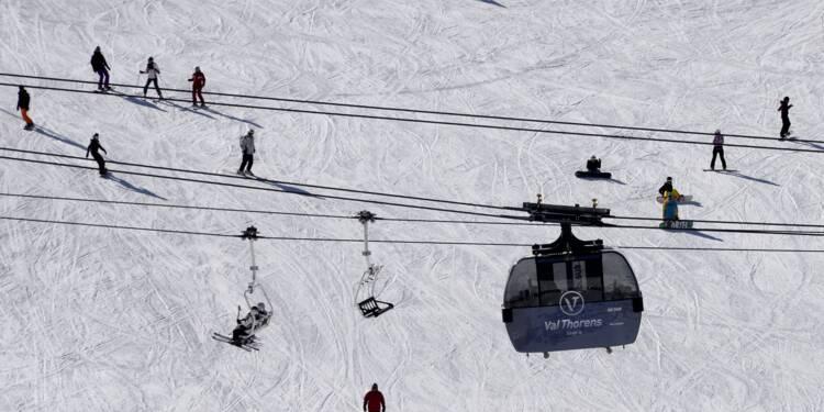 Isère: 150 skieurs évacués sans incident de télécabines en panne
