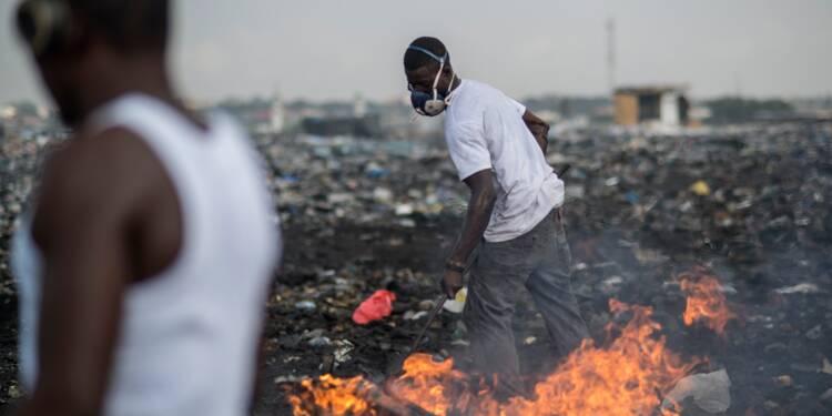 Des décharges aux grands hôtels d'Accra, une nouvelle vie pour les ordures