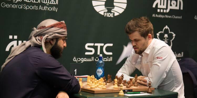 Compétition d'échecs à Ryad: une première sur fond de controverses