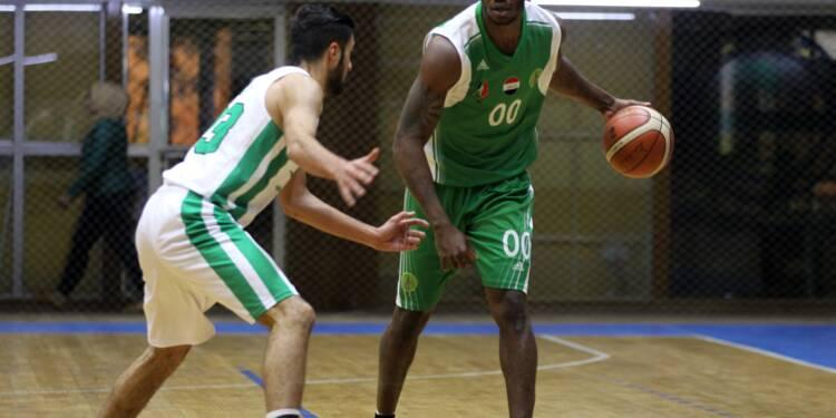En Irak, un ex-détenu américain devient le joker de l'équipe nationale de basket