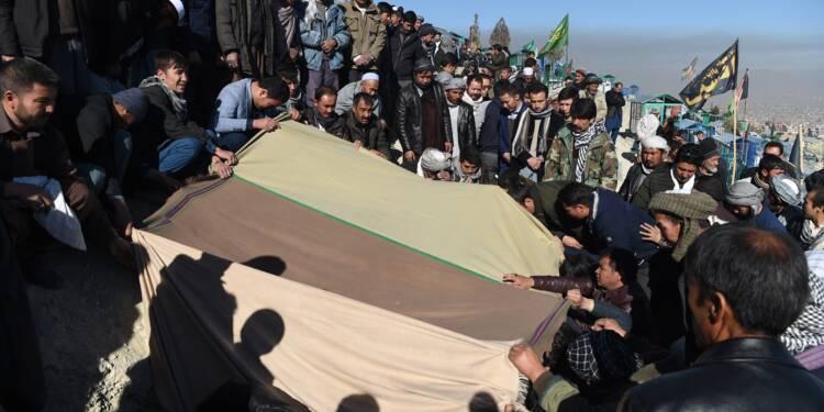 Des funérailles pour clore 2017, année sanglante en Afghanistan