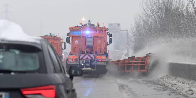 Alpes: 4.000 personnes ont dormi dans la vallée, risque d'avalanche