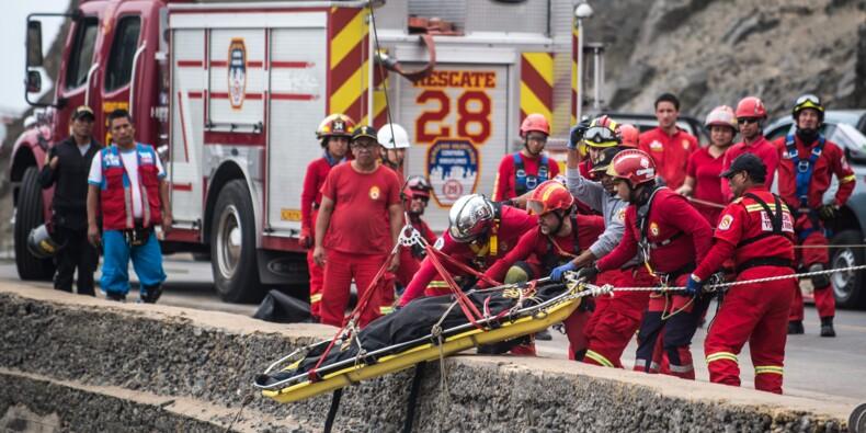 Pérou : la chute d'un autocar du haut d'une falaise a fait au moins 50 morts (nouveau bilan)