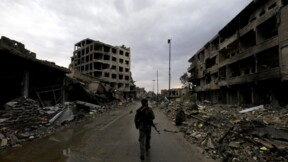 """Jihadistes français en Syrie: la France n'ira """"pas nécessairement les chercher"""" (Belloubet)"""
